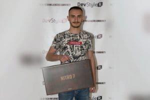 Александър Гаджалов грабна специалната награда от Acer България