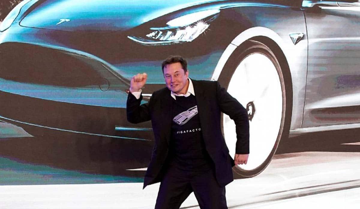 Мъск каза, че Tesla ще има напълно автономен автомобил до края на 2020 г.