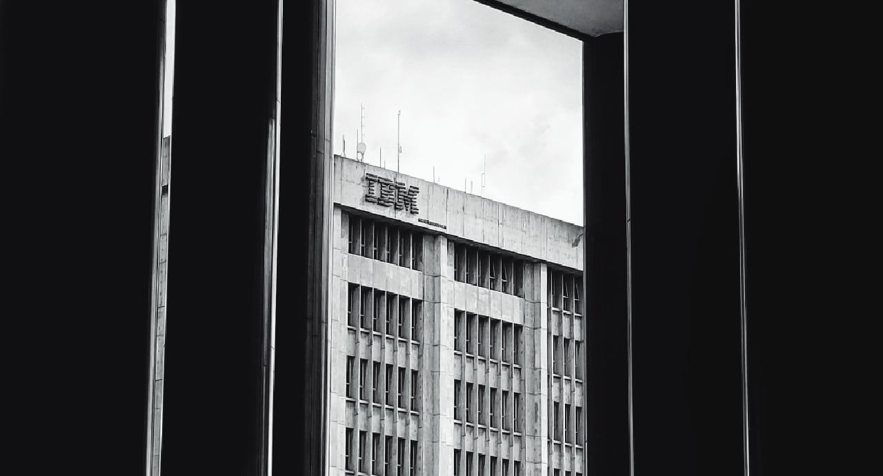 IBM се извини на трансджендър служител, уволнен от компанията преди 52 г.