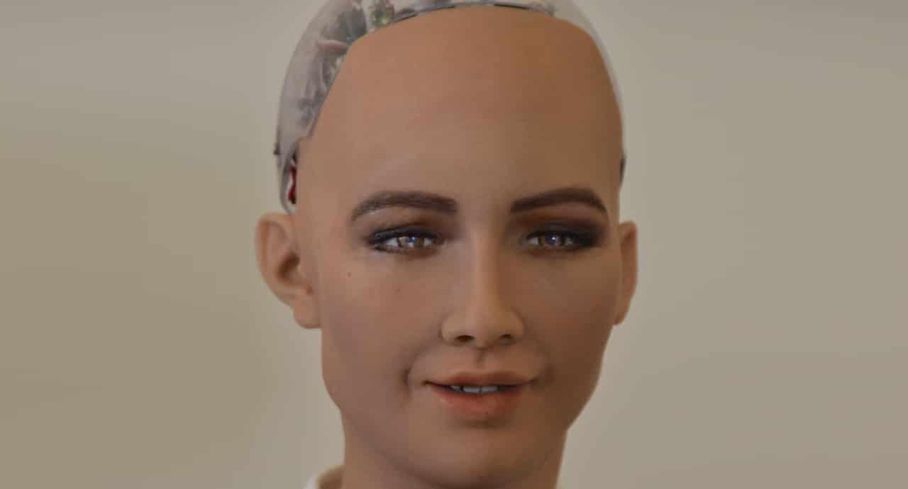 Създателите на Sophia планират производство на хиляди роботи