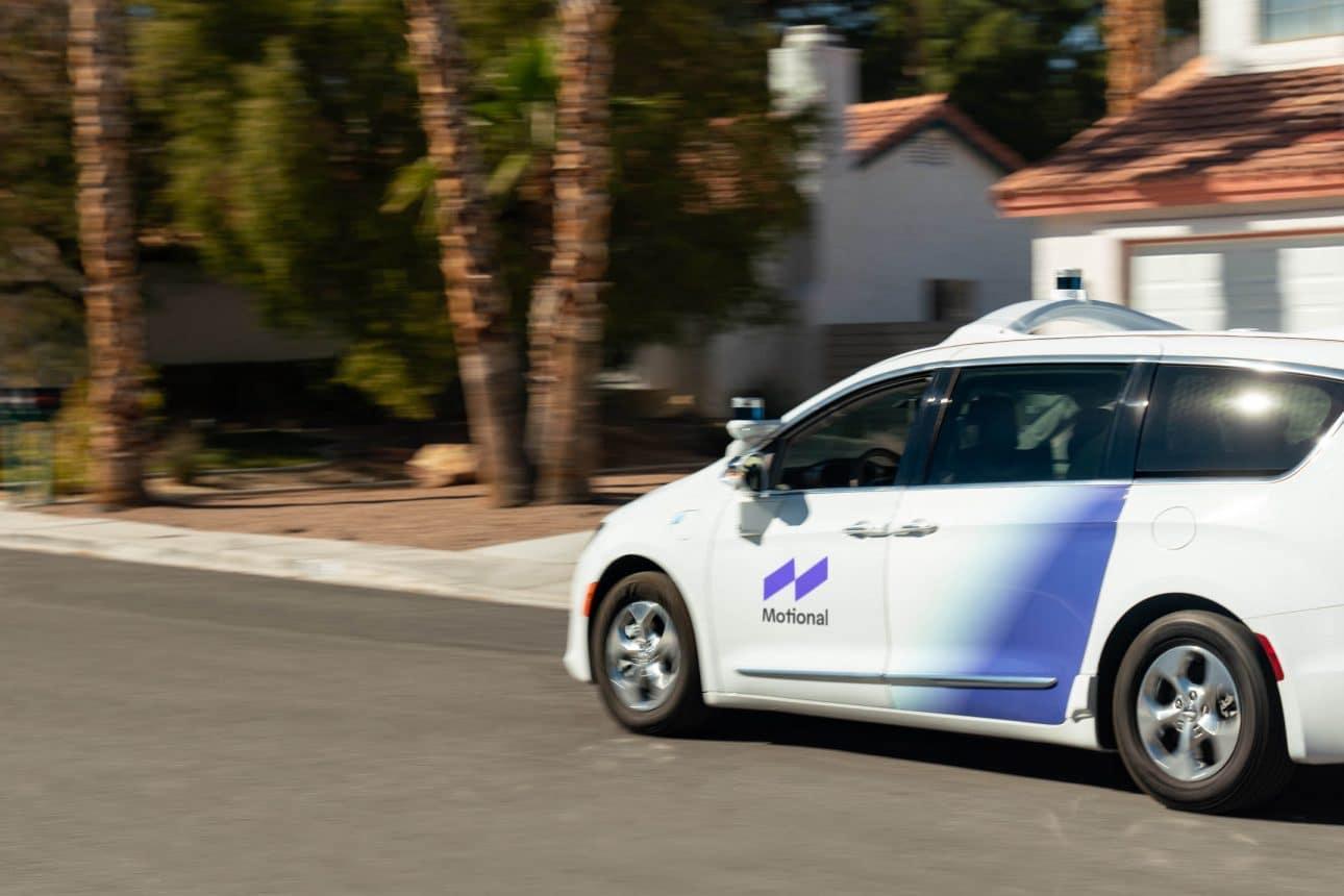 Самоуправляващите се автомобили на Motional вече оперират и на обществени пътища