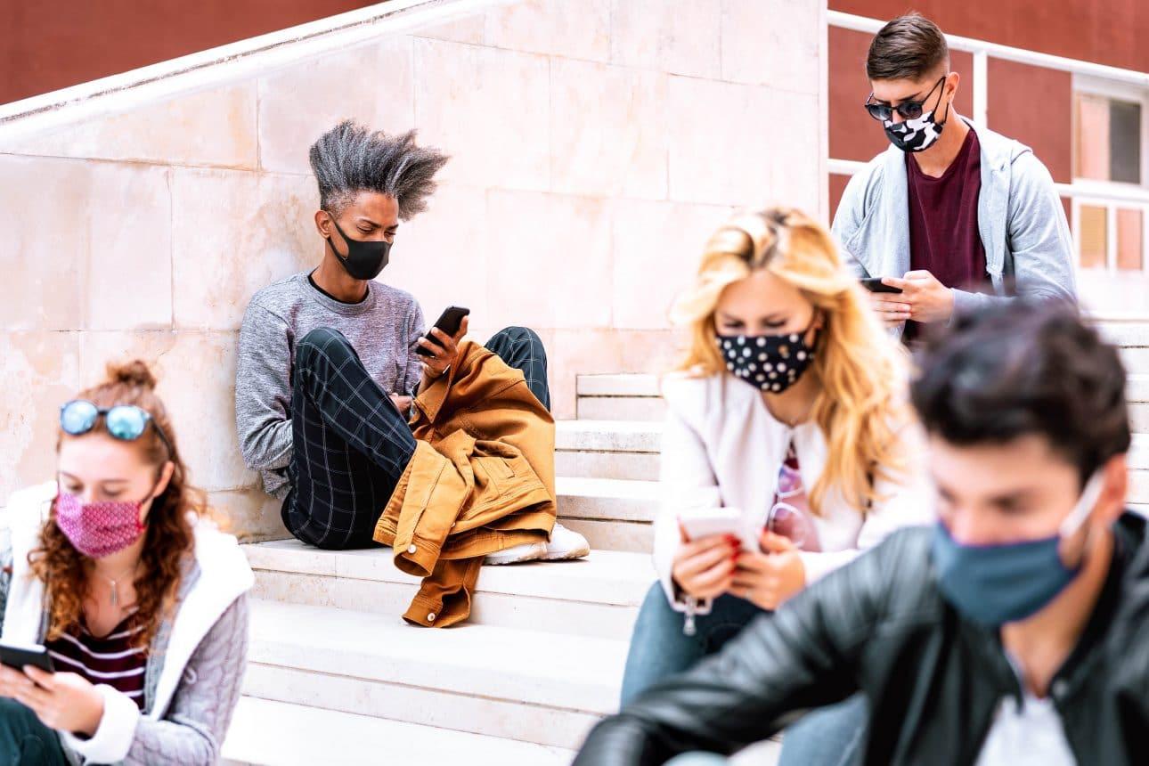 Милениалите и поколение Z – най-силно засегнати от онлайн тормоз
