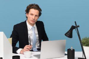 Нормално ли е служител да взима по-висока заплата от своя ръководител?