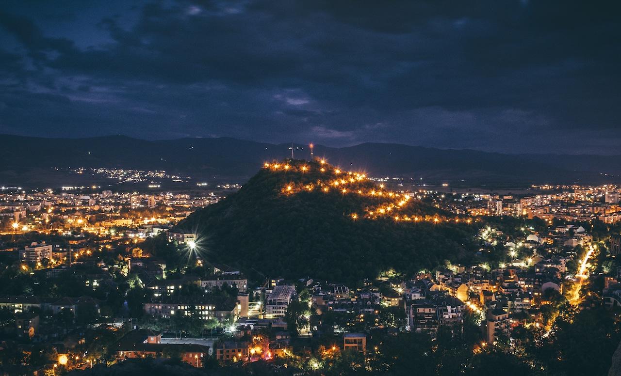 Nexo и Община Пловдив почистват 5 културно-исторически паметника
